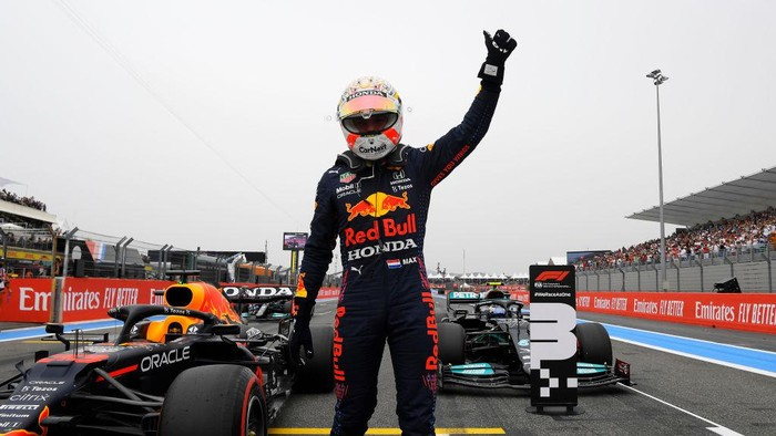 LE CASTELLET, FRANCE - JUNE 19: Pole position qualifier Max Verstappen of Netherlands and Red Bull Racing celebrates in parc ferme during qualifying ahead of the F1 Grand Prix of France at Circuit Paul Ricard on June 19, 2021 in Le Castellet, France. (Photo by Nicolas Tucat - Pool/Getty Images)