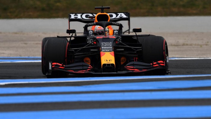 LE CASTELLET, FRANCE - JUNE 19: Max Verstappen of the Netherlands driving the (33) Red Bull Racing RB16B Honda on track during final practice ahead of the F1 Grand Prix of France at Circuit Paul Ricard on June 19, 2021 in Le Castellet, France. (Photo by Rudy Carezzevoli/Getty Images)