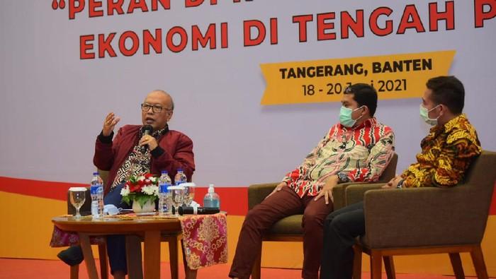 Forum Komunikasi dan sosialisasi Kinerja DPR menggelar diskusi membahas soal peran DPR dalam rangka pemulihan ekonomi di tengah pandemi.
