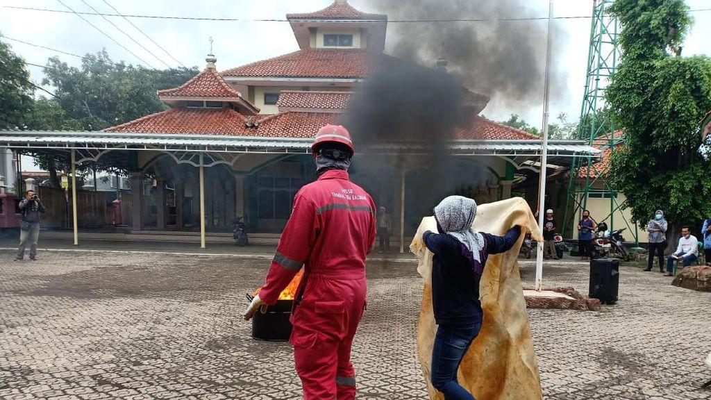 Pertamina Beri Pembekalan Mitigasi Bencana ke Warga Balongan