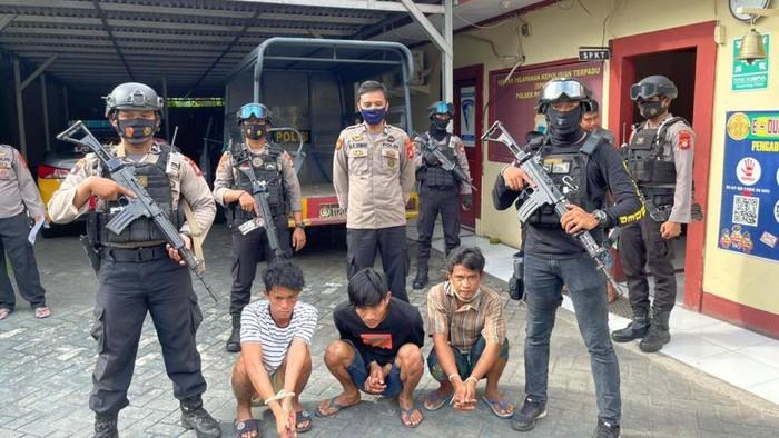 3 preman berkedok polisi di Makassar ditangkap