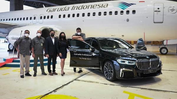 Lebih lanjut, melalui kemitraan tersebut, Garuda Indonesia dan BMW Indonesia sepakat untuk mengoptimalkan potensi bisnis dengan mengembangkan kerja samanya seperti melalui berbagai kerja sama korporasi pembelian tiket dengan benefit fleksibilitas serta diskon hingga 20 persen (untuk rute internasional) yang dapat dipergunakan bagi seluruh karyawan BMW Indonesia.
