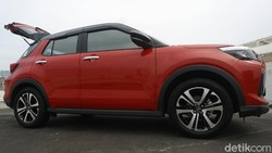 Uji Handling Daihatsu Rocky untuk Harian, Nggak Limbung Walau Bermanuver