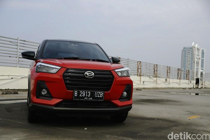 Penampakan Daihatsu Rocky saat Ototest di kawasan Jakarta, Jumat (18/6/2021).