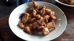 Kenyal Gurih! Sensasi Enak Makan Krenyos yang Populer di Bantul