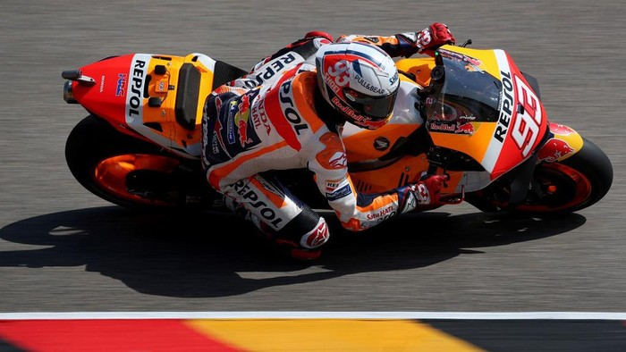 Honda Spanish rider Marc Marquez steers his motorbike during the third free practice session ahead of the German motorcycle Grand Prix at the Sachsenring racing circuit in Hohenstein-Ernstthal near Chemnitz, eastern Germany, on June 19, 2021. (Photo by Ronny Hartmann / AFP)