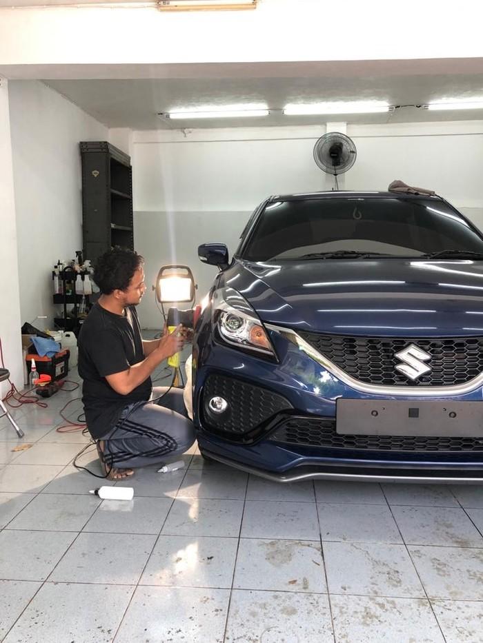 Mobil baru langsung mendapat perawatan coating di Detailworks Motospa
