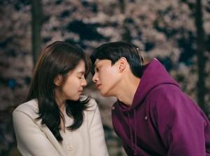 Demam Drama Nevertheless, Ini 8 Momen Mesra Song Kang dan Han So Hee