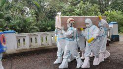 Ini Bulan Tersibuk Bagi Tim Pemakaman COVID-19 di Pekalongan