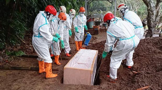 Pemakaman prokes COVID-19 Kabupaten Pekalongan