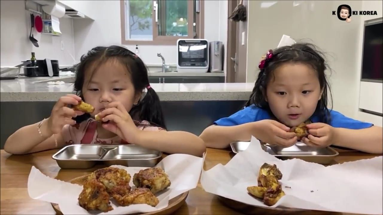 Ayam Goreng Indonesia vs Korea, Mana yang Lebih Enak?
