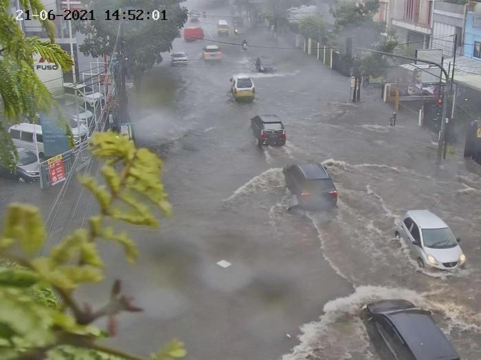 26 ruas jalan di Kota Bandung sempat terendam banjir