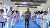 Andre Rosiade Yakin Karateka Sumbar Raih Emas PON Papua