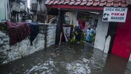 Banjir Rendam Kawasan Kacapiring Bandung