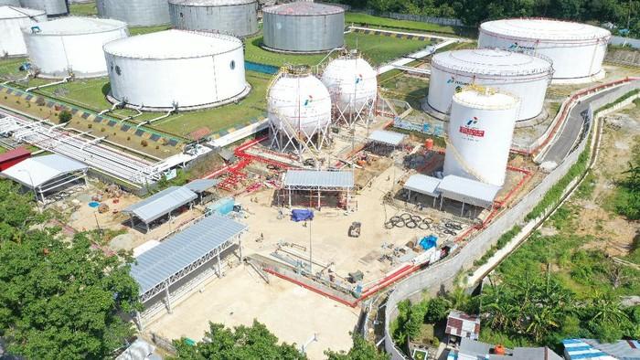 PT Pertamina (Persero) membangun infrastruktur Terminal LPG di wilayah Indonesia Timur. Salah satunya adalah di Wayame Ambon.