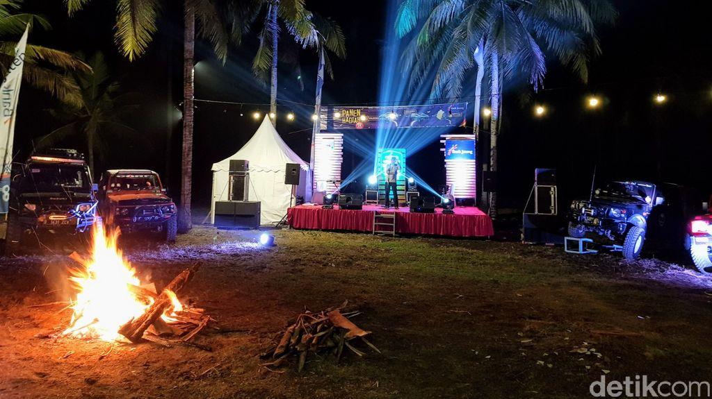 Corp 4×4 Adventure singgah di  kawasan Konservasi Penyu Objek Wisata Kalibuntu, Desa Jogosimo, Kecamatan Klirong, Minggu (20/6) malam.