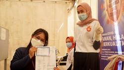 Arahan Presiden Jokowi mempercepat herd immunity di Indonesia lewat vaksinasi direspon cepat oleh Pemprov dan pelaku industri di tambang di Sultra. Ini buktinya