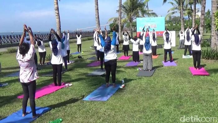Peringatan Hari Yoga Internasional 2021 di Banyuwangi