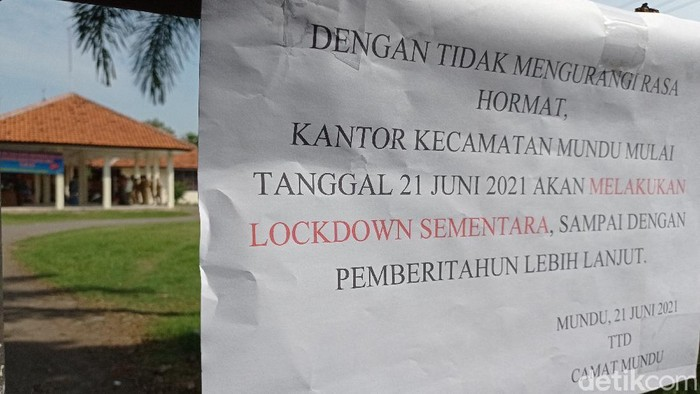 Kantor kecamatan di Cirebon dilockdown