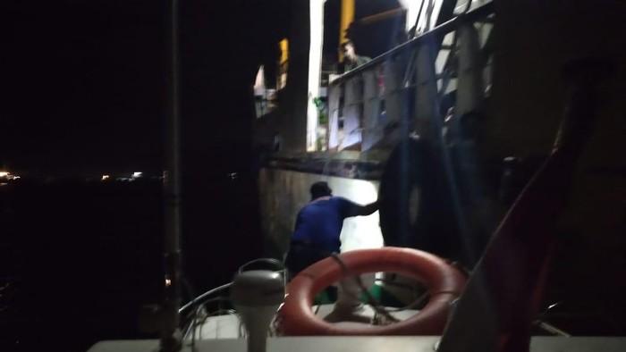 KM Meliku Nusa tabrak kapal nelayan di Bima, NTB (dok. Istimewa).