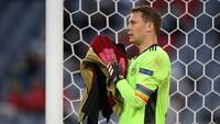 UEFA Hentikan Investigasi Ban Kapten LGBT Manuel Neuer