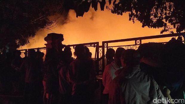 Pasar Leles Garut kebakaran (Hakim/detikcom)