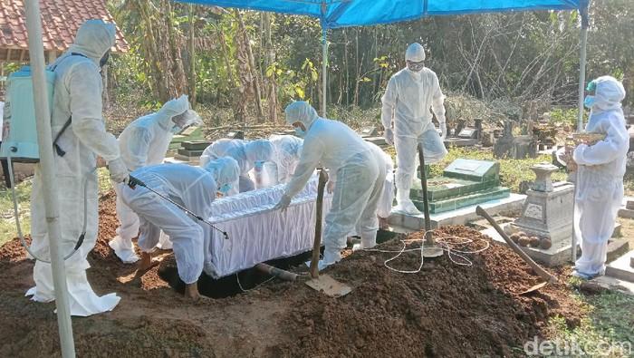 Pemakaman Juli Eko Nugroho di Purworejo