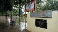 Hujan Deras, RPTRA Taman Jangkrik Jaksel Terendam