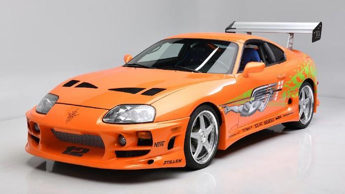 Toyota Supra yang pernah disetir Paul Walker laku terjual Rp 7,95 miliar.