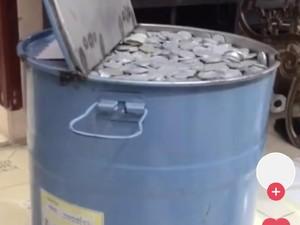 Viral Wanita Nabung di Drum, Saat Dibongkar Jumlah Uangnya Bikin Mupeng