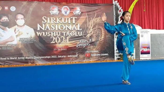 Cecilia Celine Wijaya Rebut Emas di Sirkuit Nasional Wushu Taolu Seri II/2021