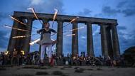 Aksi Warga Inggris Rayakan Titik Balik Matahari