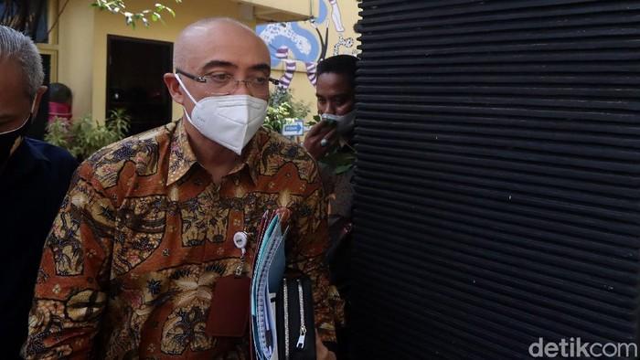 Kepala Badan Kepegawaian Negara (BKN) Bima Haria Wibisana penuhi panggilan Komnas HAM. Ia akan diperiksa soal polemik tes wawasan kebangsaan (TWK) pegawai KPK.