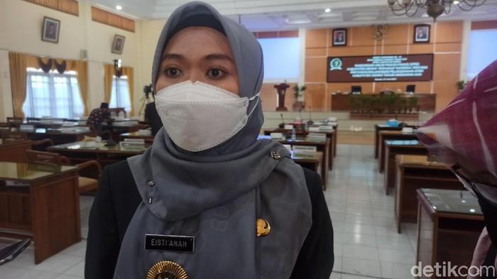 Bupati Demak dr Eistianah diwawancara usai rapat paripurna DPRD Demak, Selasa (22/6/2021)