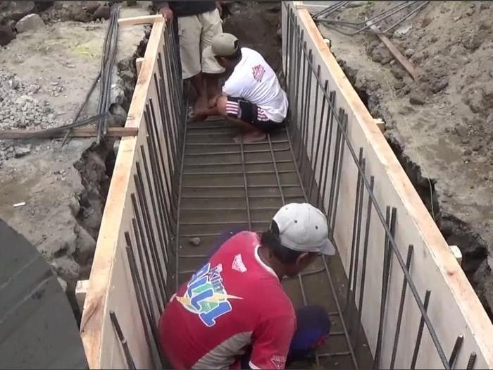 Bupati Kediri Hanindhito Himawan Pramana terus melakukan terobosan program dan pembangunan infrastruktur.