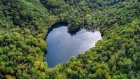 Jangan Baper, Danau Berbentuk Hati Ini Ada di Jepang