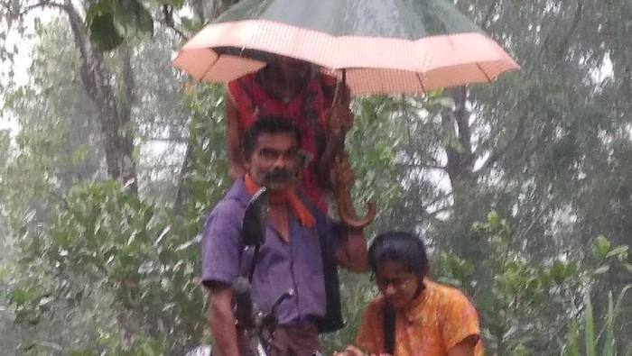 Foto viral momen mengharukan ayah dan anaknya.
