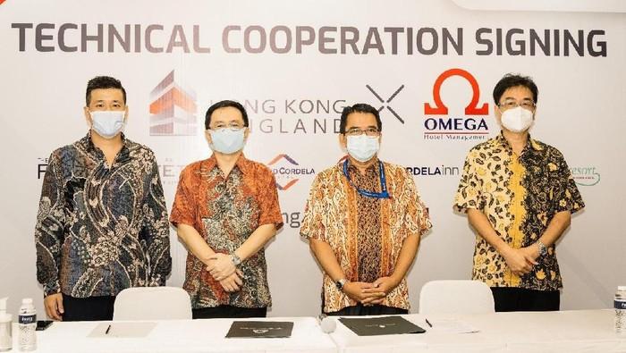 (Ki-Ka) Managing Director Kingland Avenue Andy Candra dan Operational Director Omega Hotel Management Aswin B Drajat.