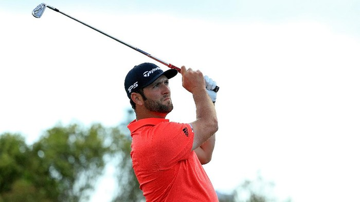 NASSAU, BAHAMAS - DECEMBER 07: Jon Rahm of Spain hits his tee shot on the 17th hole during the final round of the Hero World Challenge at Albany on December 07, 2019 in Nassau, Bahamas. (Photo by Mike Ehrmann/Getty Images)