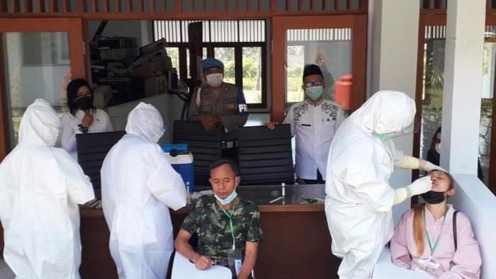 Lima Pekerja Migran Asal Banyuwangi Terkonfirmasi Positif COVID-19