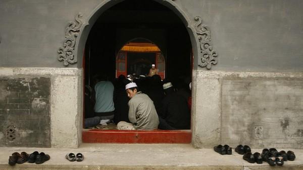 Sepanjang sejarah, Masjid Niujie yang berdiri di atas lahan seluas 10 ribu meter persegi, itu mengalami tiga kali renovasi, yakni pada 1955, 1979, dan 1996. (AFP)