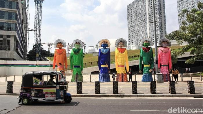 DKI Jakarta hari ini, Selasa (22/6) merayakan ulang tahun ke-494. Sejumlah ondel-ondel berukuran raksasa pun disiapkan untuk meriahkan HUT DKI Jakarta.