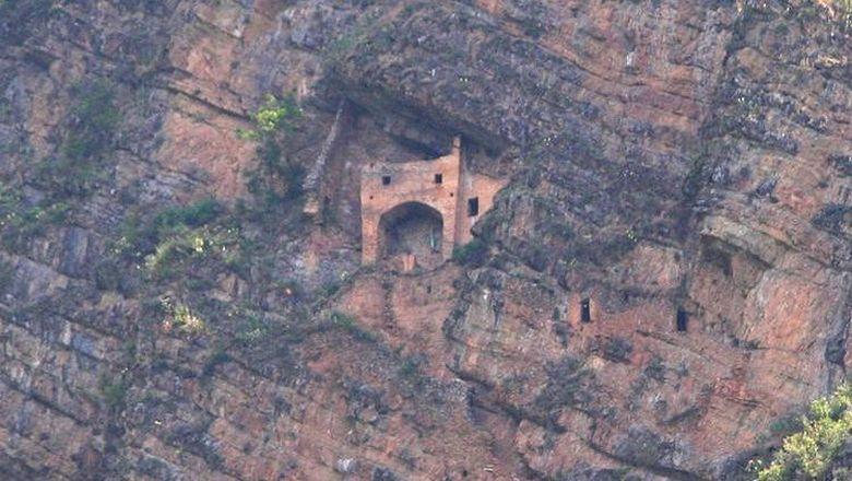 Kastil peri Parigala di Azerbaijan