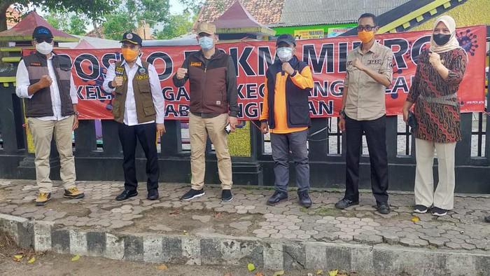 Gubernur Jatim Khofifah Indar Parawansa menegaskan, pengetatan PPKM Mikro diberlakukan di 8 desa/kelurahan di lima kecamatan di Bangkalan. Posko pengetatan sudah disiapkan.