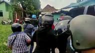Polisi Diserang Saat Gerebek Kampung Narkoba di Palembang, Ada yang Dicekik