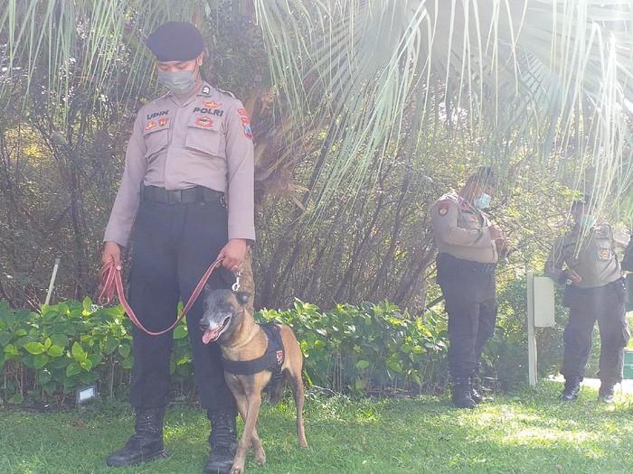 Polisi Siagakan K9 Usai Pos Penyekatan di Suramadu Dilempar Petasan Massa
