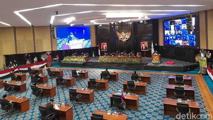 Rapat paripurna di DPRD DKI Jakarta.