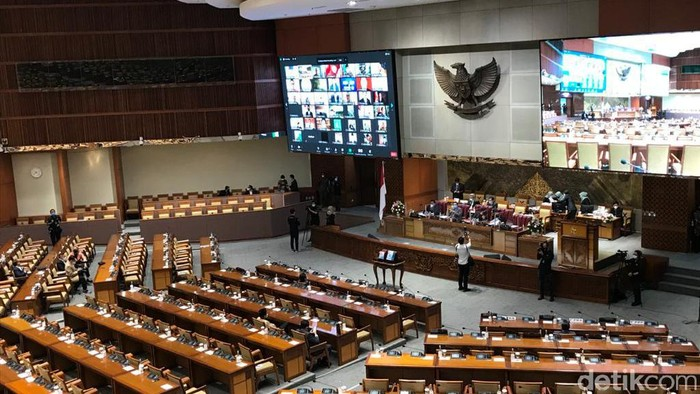 Rapat paripurna DPR, Selasa (22/6/2021).