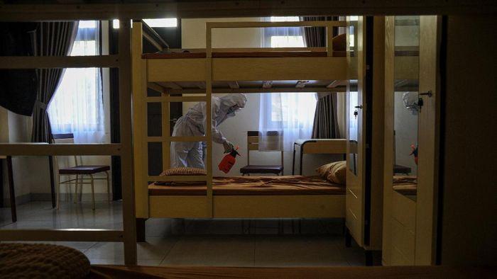 Asrama PUPR Kampus Unpad Jatinangor disiapkan jadi rumah sakit darurat. Hal itu dilakukan agar pasien COVID-19 mendapat penanganan dengan baik.