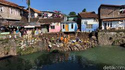Tanggul Anak Sungai Cikapundung Bandung Kembali Ambrol